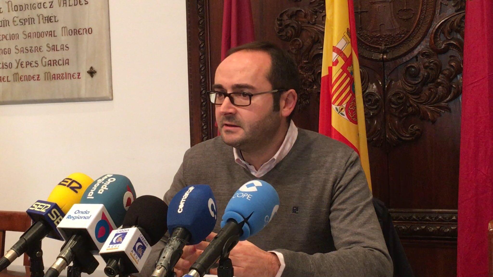 El PSOE quiere impulsar una Ordenanza para cobrar tasas a las compañías eléctricas por la ocupación del terreno municipal en Lorca