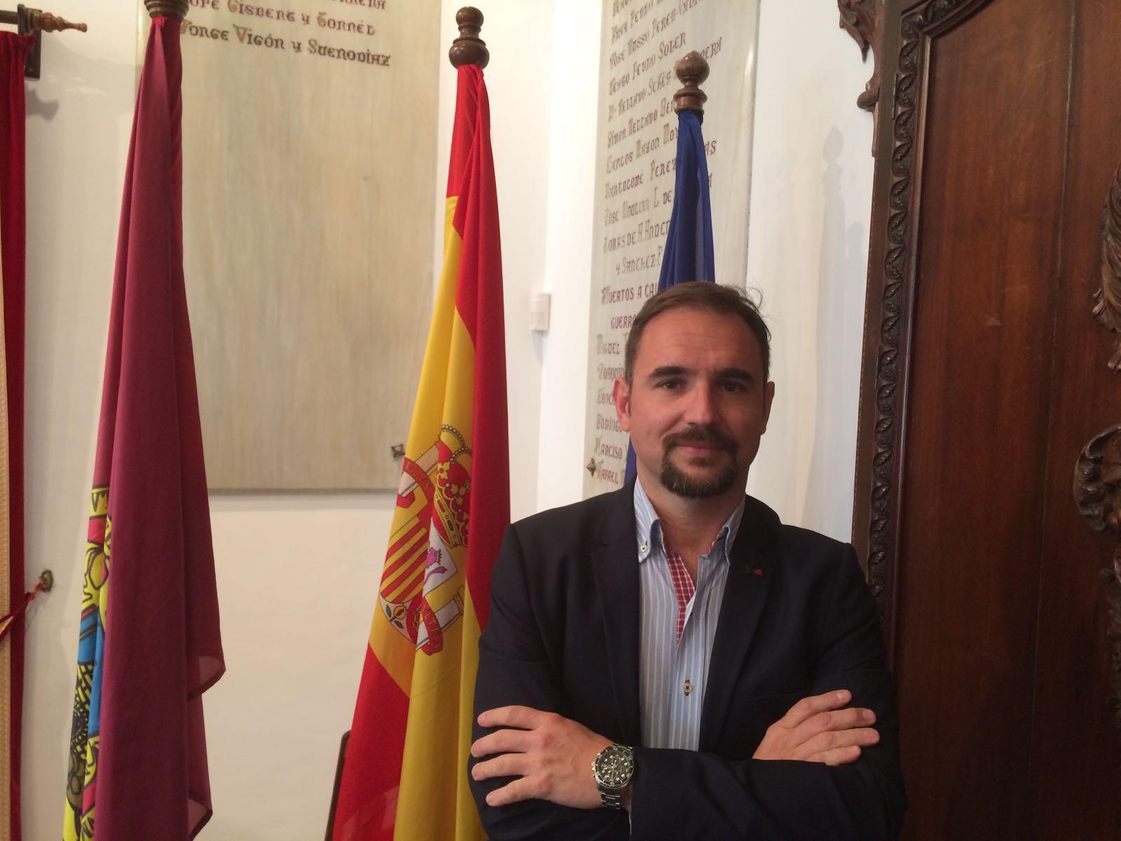 El PSOE celebra la instalación de toldos en Corredera y pide que las medidas de impulso de la actividad comercial sean extensivas al resto de áreas