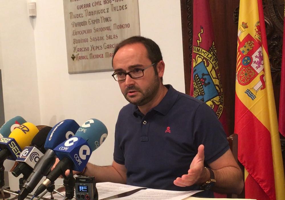 El PSOE acusa a Gil Jódar de traicionar a los lorquinos al votar en el Senado en contra de una inversión de 76 millones de euros para Lorca