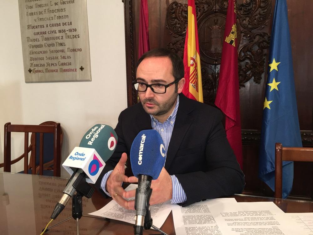 """PSOE: """"El Alcalde adjudica a dedo 460.000 euros en obras directamente para empresas de fuera de Lorca"""""""