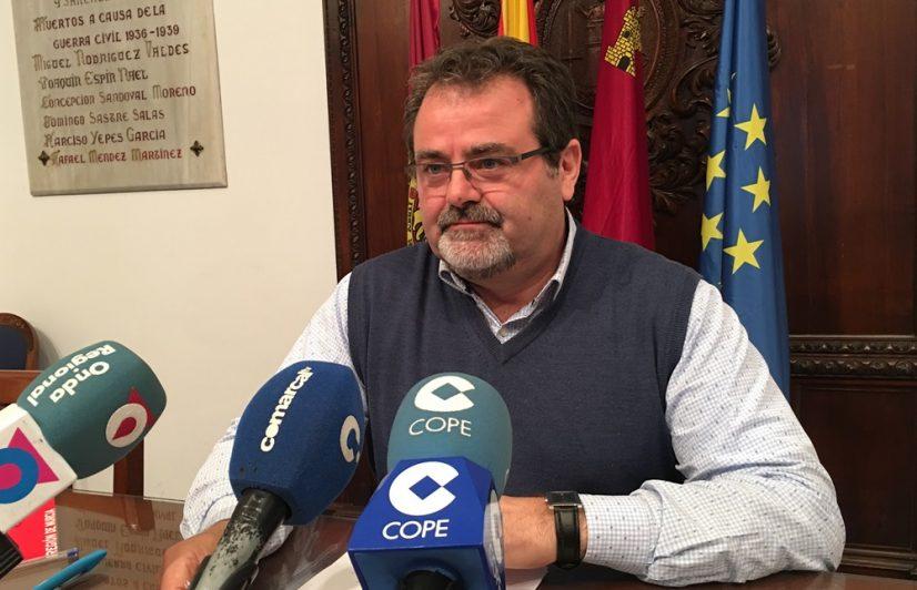 El PSOE exige a la CARM que pague con intereses las indemnizaciones que seis años después deben a los afectados por los terremotos