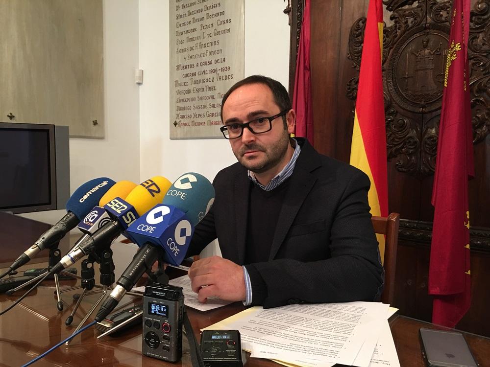 Un estudio de la UMU destapa que el Ayuntamiento de Lorca cobra cada año a los lorquinos 640.000 euros de más por el servicio de recogida de basura