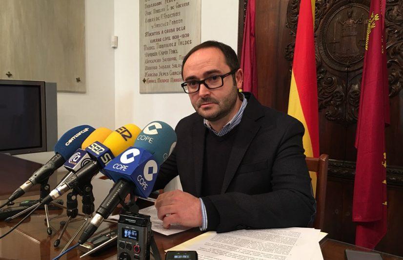 """PSOE: """"Hay alternativas para reducir el exceso de velocidad antes que colocar un radar, lo que demuestra el afán recaudatorio del PP a costa de los conductores lorquinos"""""""