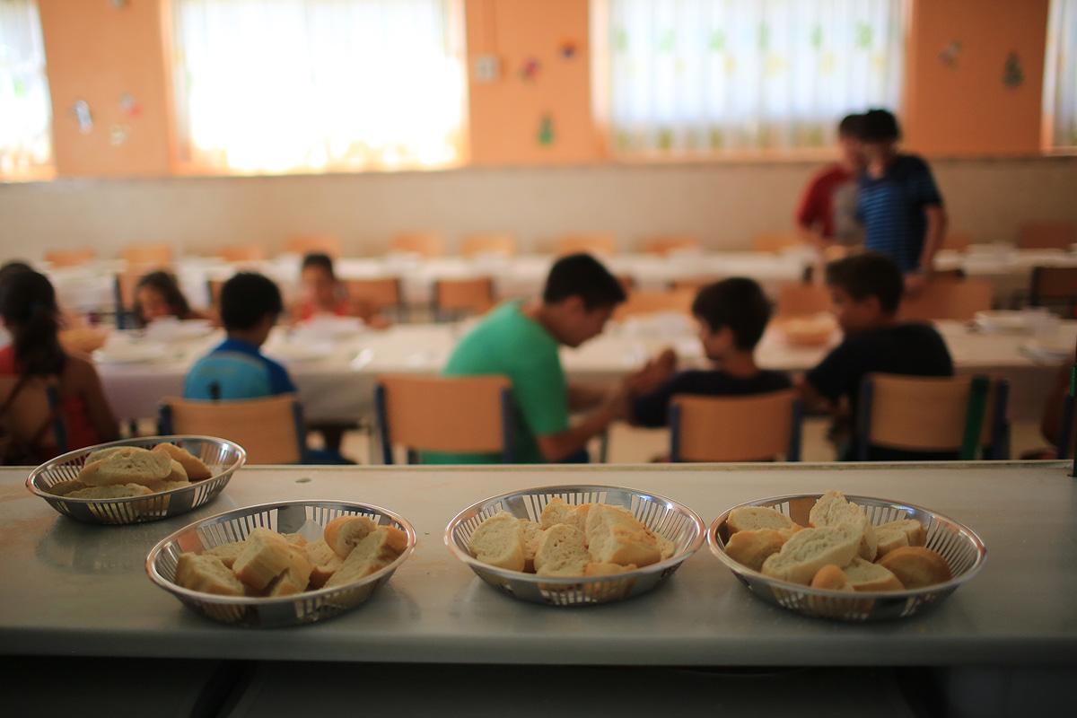 El PSOE solicita la apertura de comedores escolares durante el periodo de verano para niños en riesgo de exclusión social