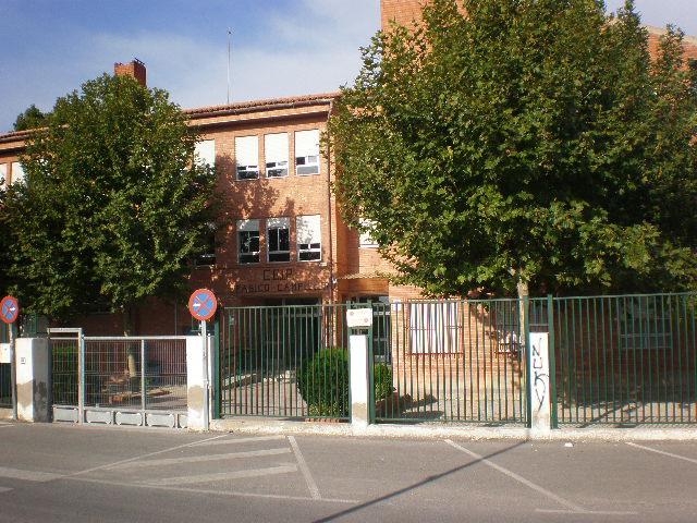 Mateos reclama un segundo autobús para acoger a la totalidad de escolares que necesitan transporte en Campillo mientras la carretera de la Almenara no esté adaptada al paso de los peatones
