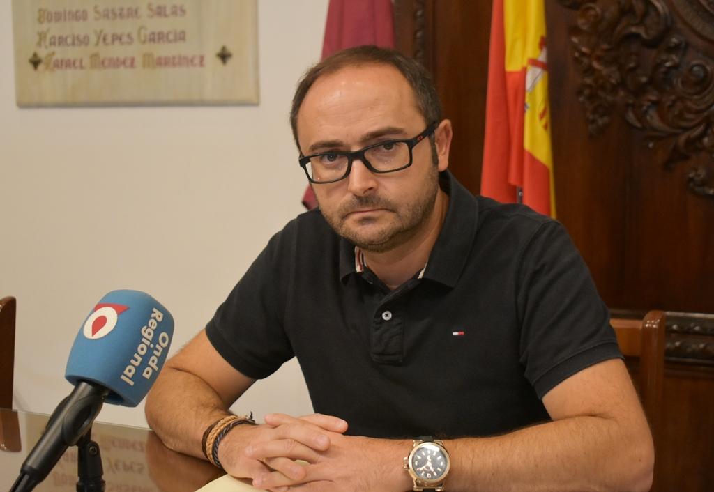 """El PSOE califica de """"tomadura de pelo"""" la promesa del  PP de implantar los presupuestos participativos"""