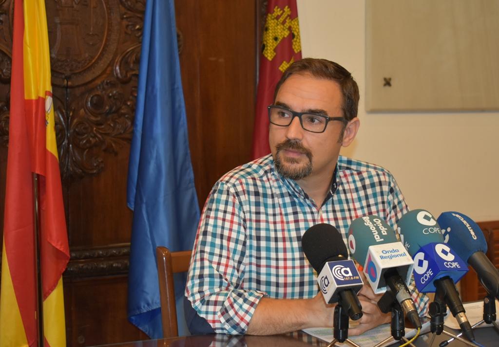 PSOE y C´s piden informes para conocer la relación de pagos realizados y pendientes relativos a las subvenciones que otorga el Ayuntamiento a las fiestas en barrios y pedanías