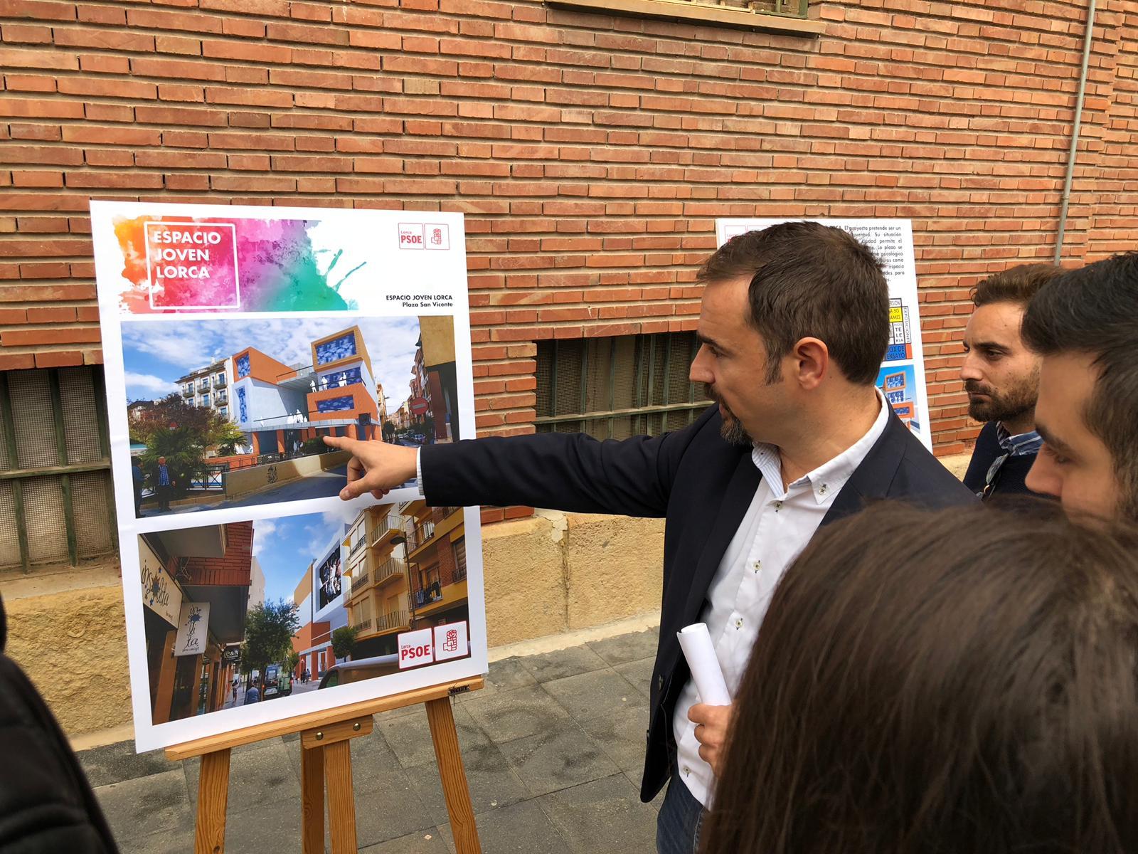 """Mateos: """"Para la revitalización del Casco Histórico, prefiero un centro de ocio abierto todo el día para nuestros jóvenes en San Vicente antes que una oficina que cierra por las tardes"""""""