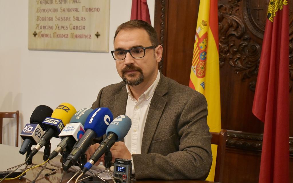 Mateos denuncia la parálisis de los principales proyectos en Lorca y muestra su preocupación por el riesgo de que Gil Jódar deje escapar los fondos BEI
