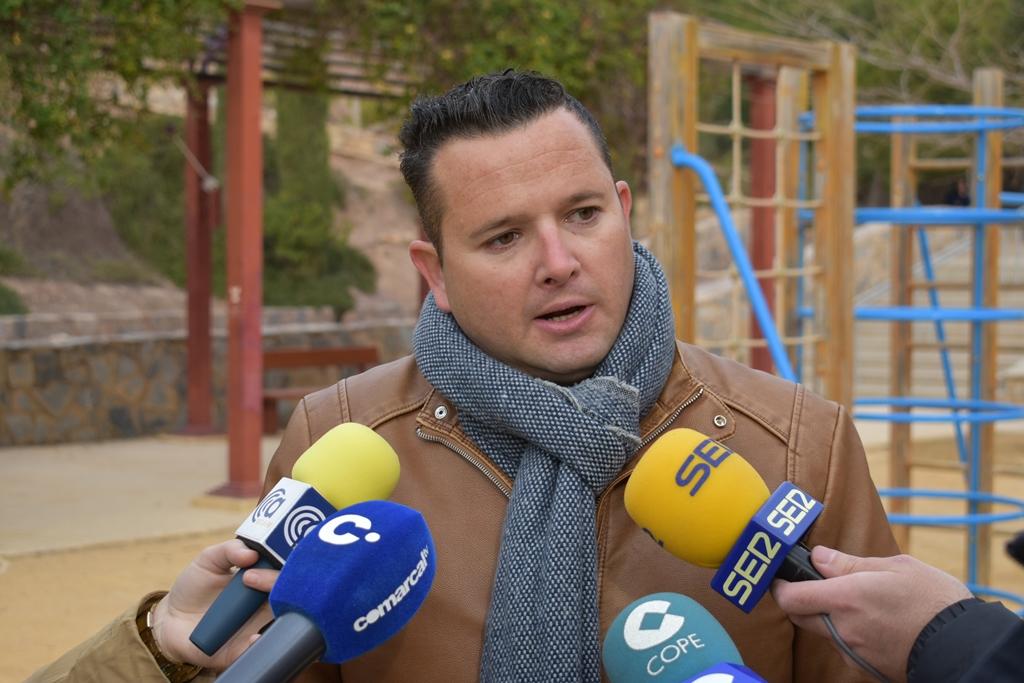 El PSOE denuncia graves deficiencias en los parques del Barrio de San Cristóbal y reclama actuaciones de mejora