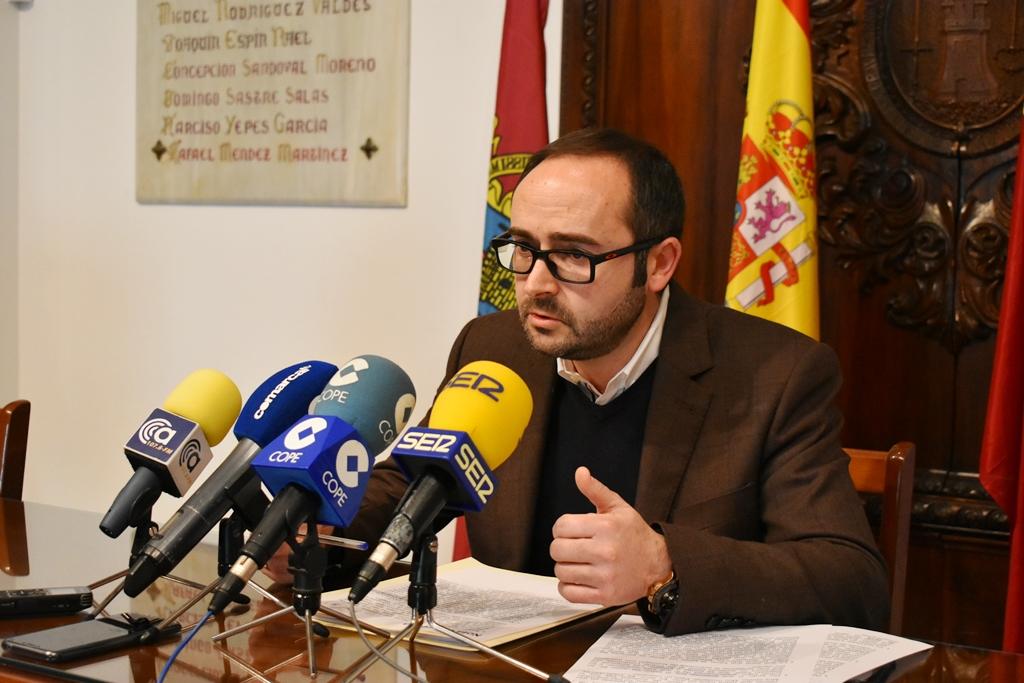 El PSOE lamenta que el PP presuma de reducir deuda a costa de no pagar a las empresas lorquinas a las que deben facturas desde 2015