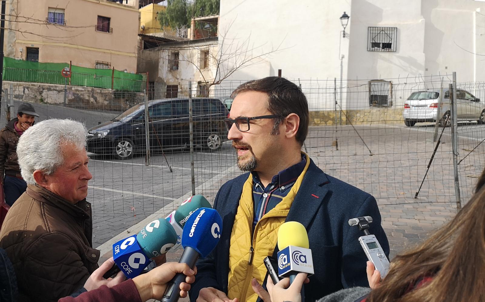 Mateos exige al Alcalde que solucione los problemas que mantienen cerrado parcialmente el aparcamiento de San Patricio