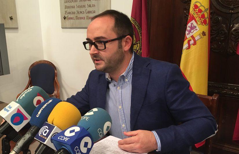 """PSOE: """"Seguimos esperando que Gil Jódar exija explicaciones a su partido de por qué votaron en contra de la bonificación del 50% del IBI"""""""