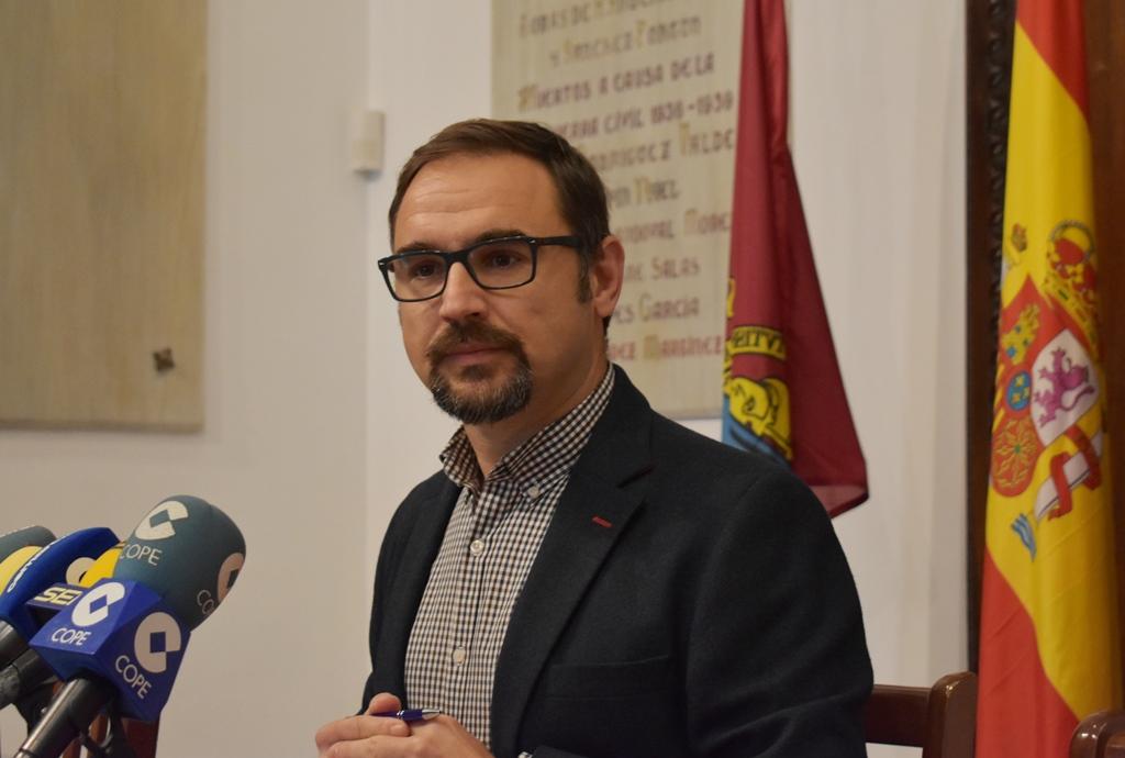"""Diego José Mateos: """"Los vecinos de Jerónimo Santa Fe no se merecen el abandono y la dejadez que presentan sus calles"""""""