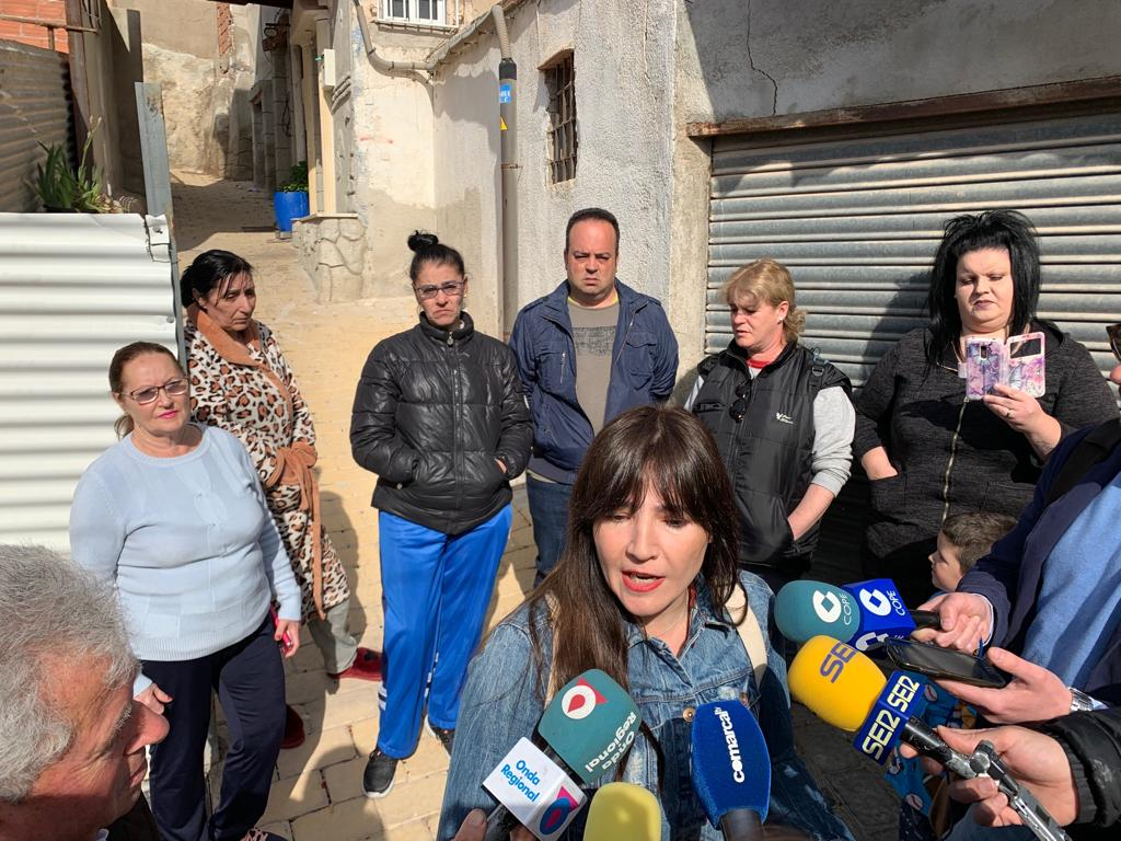 """PSOE: """"Los vecinos de Santa María no aguantan más tiempo con sus casas llenas de grietas y abiertas como granadas"""""""