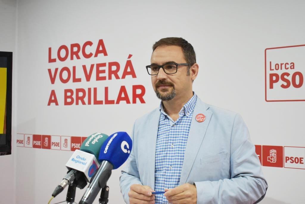 El PSOE propone aprovechar las tres plantas que quedarán vacías en el Centro Comarcal de Salud para albergar oficinas municipales y ahorrar así 100.000 euros al año a las arcas municipales