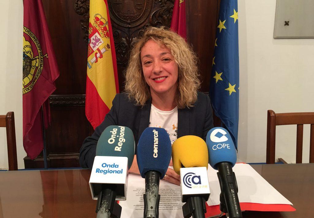 El PSOE solicita la apertura de comedores escolares durante el periodo de verano para facilitar la conciliación de la vida familiar y laboral