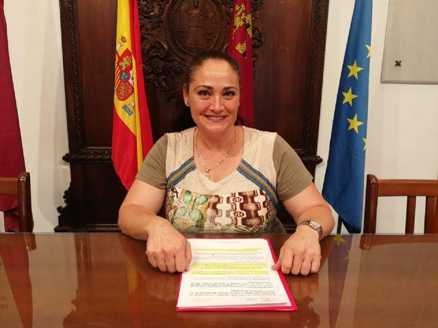 """Antonia Pérez """"animamos al señor Mondéjar a que se lea el Plan de Contigencia frente al Covid-19 elaborado por las consejerías de Educación y Sanidad, casualmente ambas encabezas por miembros del Partido Popular"""""""