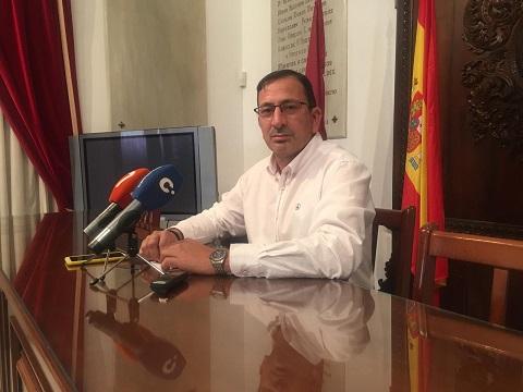 """Ruiz Guillén: """"el PP tuvo la oportunidad de ejecutar una remodelación de Lorca que o no se acordó o no se atrevió a hacer y de la que se acuerda, ahora, cuando estamos inmersos en una pandemia sanitaria de la que se han convertido en palomita blanca"""""""