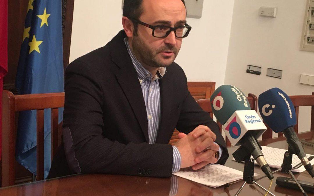 """Isidro Abellán: """"el Partido Popular pretende jugar al despiste para intentar evitar que se hable de todas las facturas que dejó pendientes antes de su salida del gobierno municipal"""""""