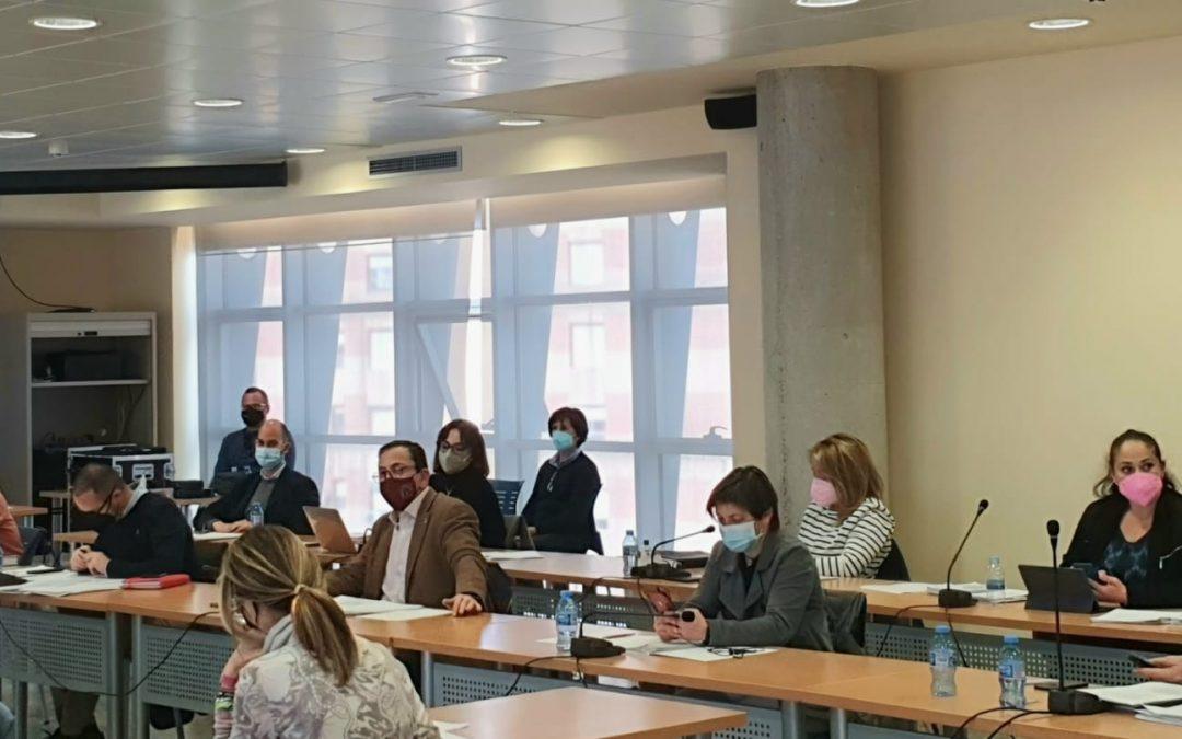 El PSOE hace públicos los certificados de vacunación de sus concejales en la web del partido y reclama a la Consejería de Salud una auditoría para aclarar el proceso de vacunación regional