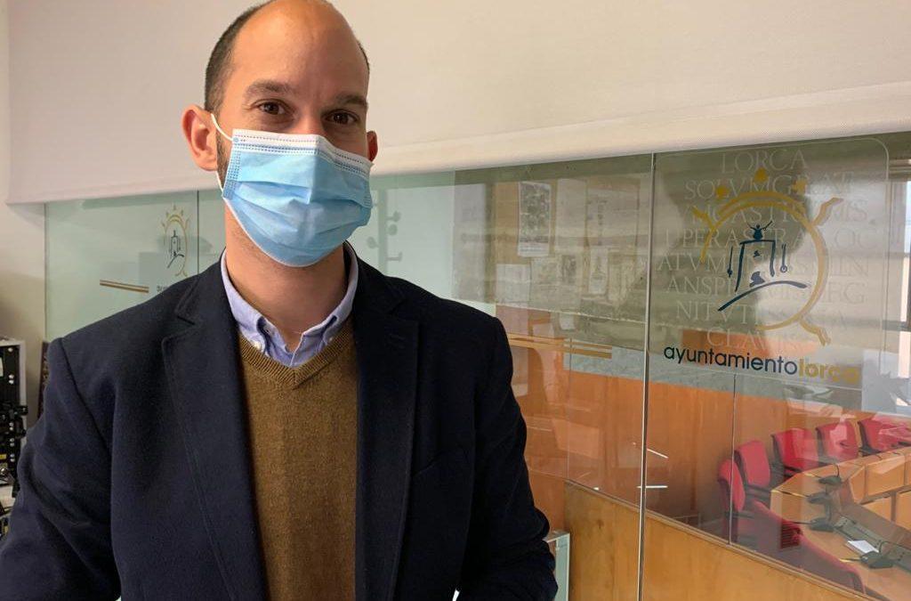 El PSOE considera lamentable que el señor Gil consienta que sus concejales desprecien el papel fundamental de los trabajadores municipales en las jornadas de vacunación