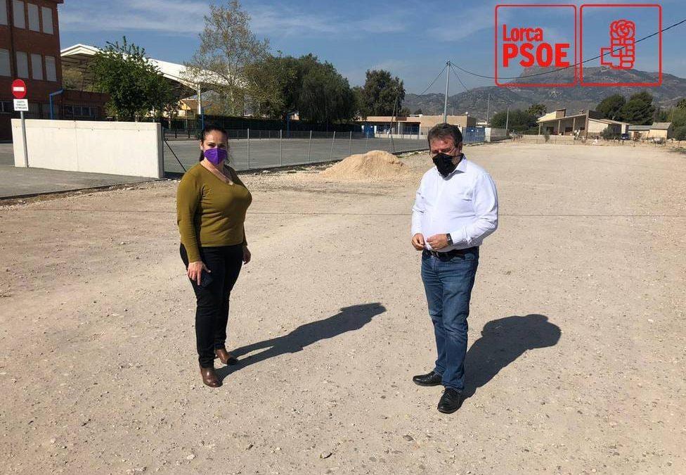 El PSOE pone en marcha la adecuación del aparcamiento junto al Colegio de Campillo y el PP juega a intentar ponerse 'la medallita' cuando lleva 12 años mirando para otro lado